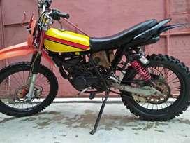 Yamaha DT100 (basik rxs)