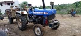 New Holland tractor padarada
