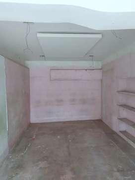 200 sq ft ka sunder dukan h  business krne ke liye jisse shop ke liye