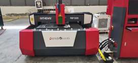 Fibre laser metal cutting machine
