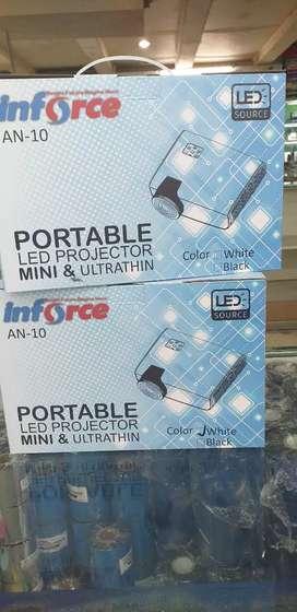 LCD proyektor Inforce