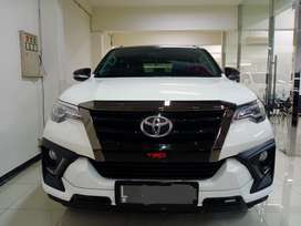 TOYOTA FORTUNER VRZ TRD 2.5 Automatic 2020 like new