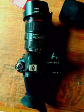 Canon 5D Mark 4 with 24-105 lense