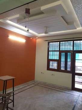 Chitrakoot sector 6 3 bhk flat east facing urgent sale