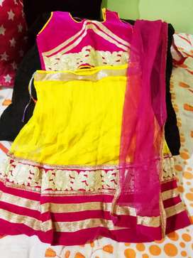 Gently used baby girls wear 2-3 yrs dresses in good condition