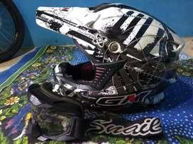 Helm Cross GM + Goggles Snail