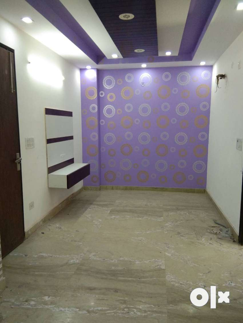 L CORNER 2 BHK NEAR TO MEAN ROAD. CAR PARKING. Bank Loan 90% available 0