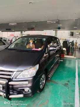 Toyota Innova 2.5V,Diesel variant,2015 model for sale