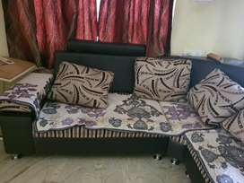 L shaped sofa in good condition