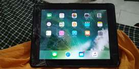 Ipad 4, 16gb, 4g sim, wifi, with charger and guard cover.