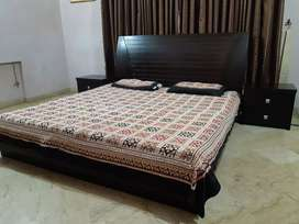Modern Style King Size Bed Complete Set