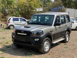 Mahindra Scorpio S4 4WD, 2015, Diesel