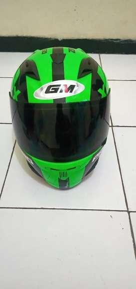 Jual helm full face GM masih ok .. ada lecet halus tapi masih oke