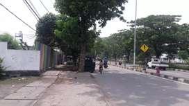 Lahan jalan raya kedung cowek dekat suramadu surabaya utara