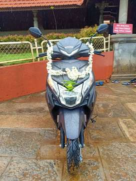 Good condition new scooty dio dx new model