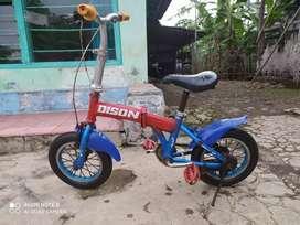 Sepeda lipat uk 12