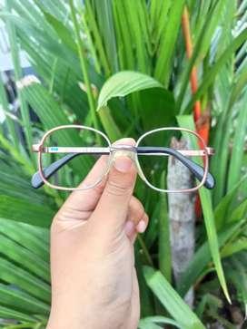 Kacamata vintage merk Metzler Germany 8730