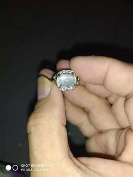 Dijual cincin batu baiduri bulan