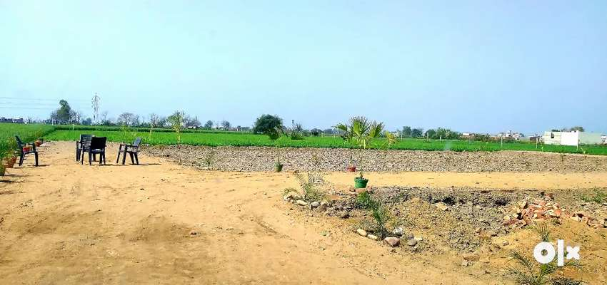 2950/- rupees per gaj plots for sale at reasonable prices .
