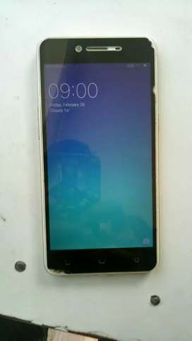 Mobile is in very good condition