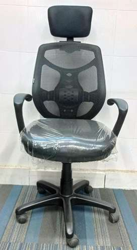 Aster Headrest Office Chairs with Multiple Locking Position