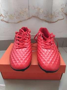 Sepatu bola Nike Tiempo baru dipakai 2 kali size 42