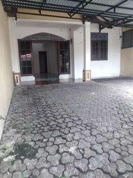 Rumah Murah Disewakan daerah Kebayoran Baru