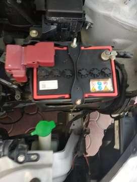 Car inspection technician or insurance surveyor