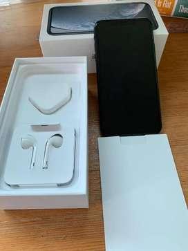 Apple iPhone XR \ 128GB \ BLACK \ With Bill & Box \ Good Look