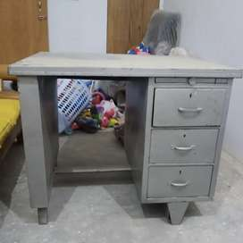 Iron counter Table with draws n boss chair