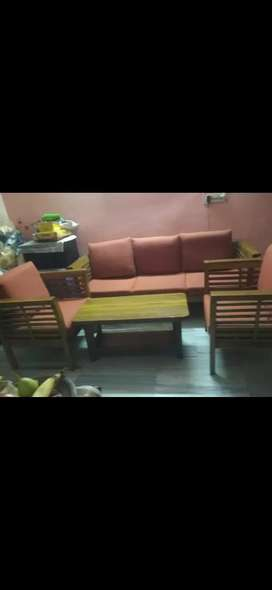 Five seater sofa set with center table