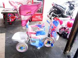 Sepeda roda 3 merek family