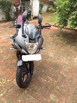 2016 modal Suzuki gixxer sf 155 OR exchange with R15