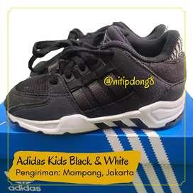 Sepatu adidas EQT Running