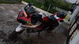Yamaha R15 v2 I ownt by the R15 v3