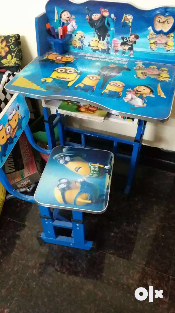 Kids chair and table set 0