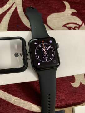 Apple watch 42mm series 3 mint condition 7 month old