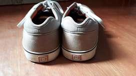 Sepatu merk DC original