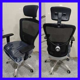 Brand New Head Rest office chairs computer chairs