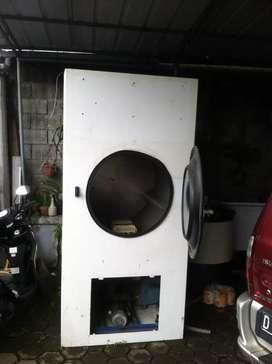Mesin laundry, Dryer besar + extractor (mesin cuci)