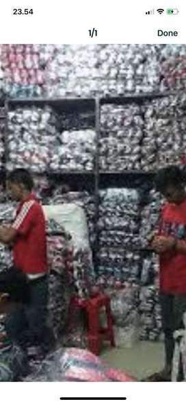 Karyawan Pria, Toko Grosir Sandal / Sepatu, Jatinegara, Jakarta Timur