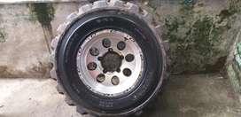 Scorpio and bolero  Alloy wheels and tyers