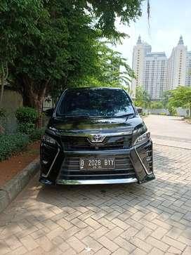 Toyota Voxy 2.0 2019 Low Km