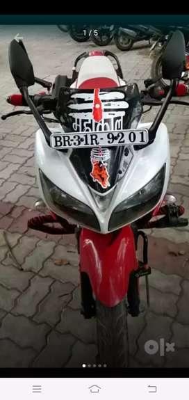 White colour Yamaha fazer bike, new condition, no any scratch
