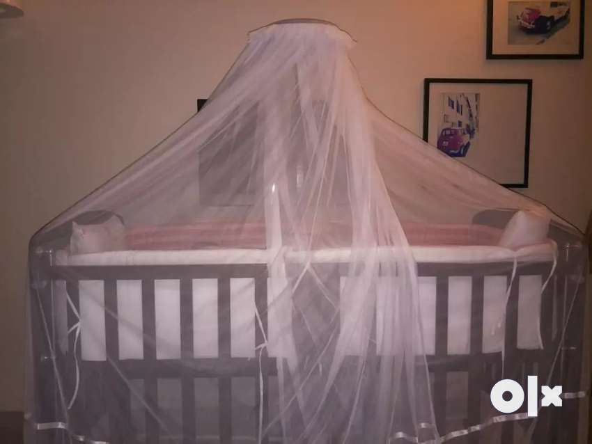 Customised new born baby crib ideal. 0