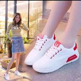 Sepatu sport import M 098