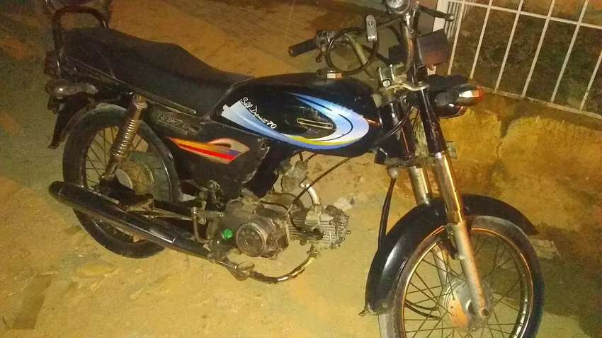 Hero bike Hai achi condition mai Hai 10/9 0