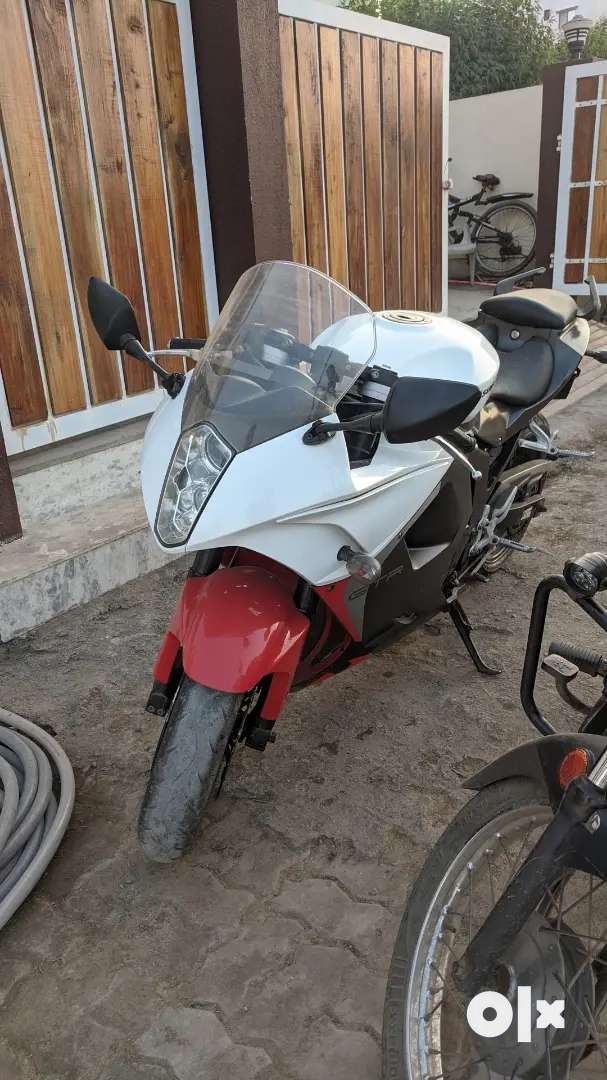 Hyosung gt250r in mint condition i want too sell my bike 0