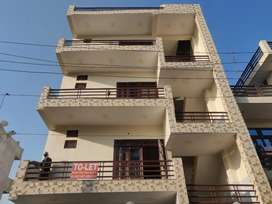 3 bhk independent floor available for rent.