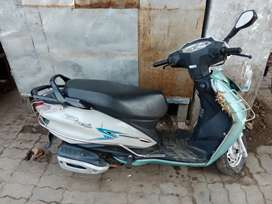 Hero Duet scooty for sell